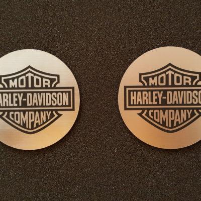 """2 x Schmuckschild rund 73 mm """"Harley"""" (R)"""